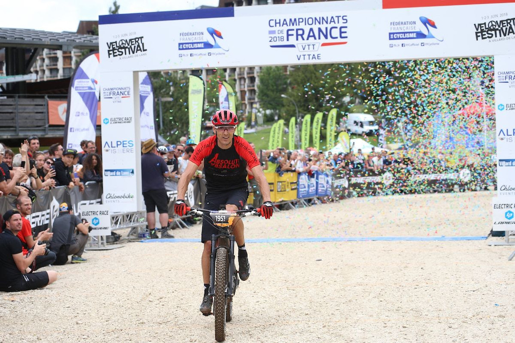 Double Olympic Champion and five-time UCI World Champion Julien Absalon took the win at the maide UCI sanctioned E-MTB French Nationals in 2018 FFC - Patrick Pichon
