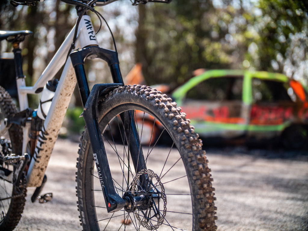 DT Swiss F535 One Fork Review Photo Ga tan Rey