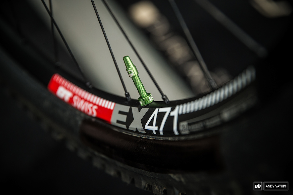 29 x 27.5 combo has been given the green light for Specialized.