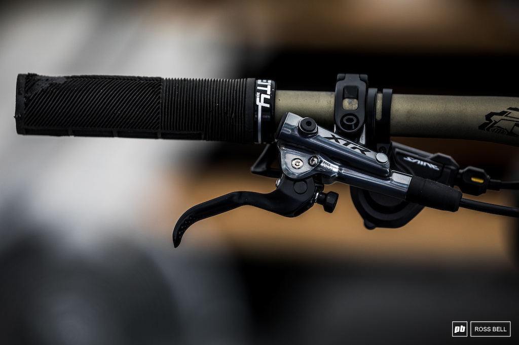 XTR levers paired to...