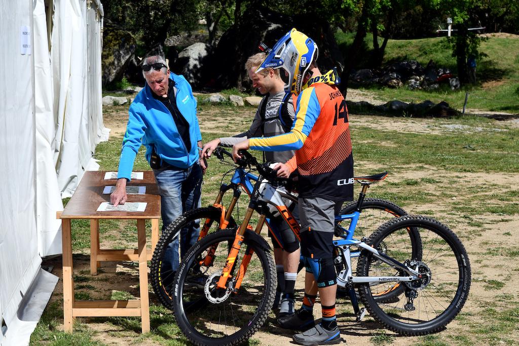 Robin Wallner and Zakarias Johansen listening carefully to Jordi Salvador, one of the local organizer