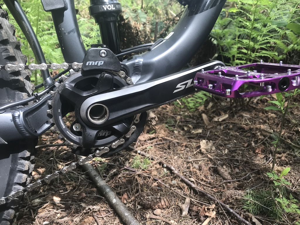 Chromag Scarab pedals and MRP AMg Chainguide