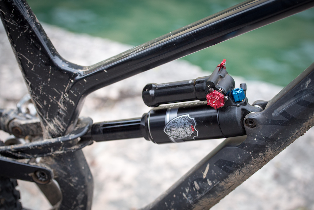 First Look: Manitou's 180mm Mezzer Pro Fork and Mara Pro Shock