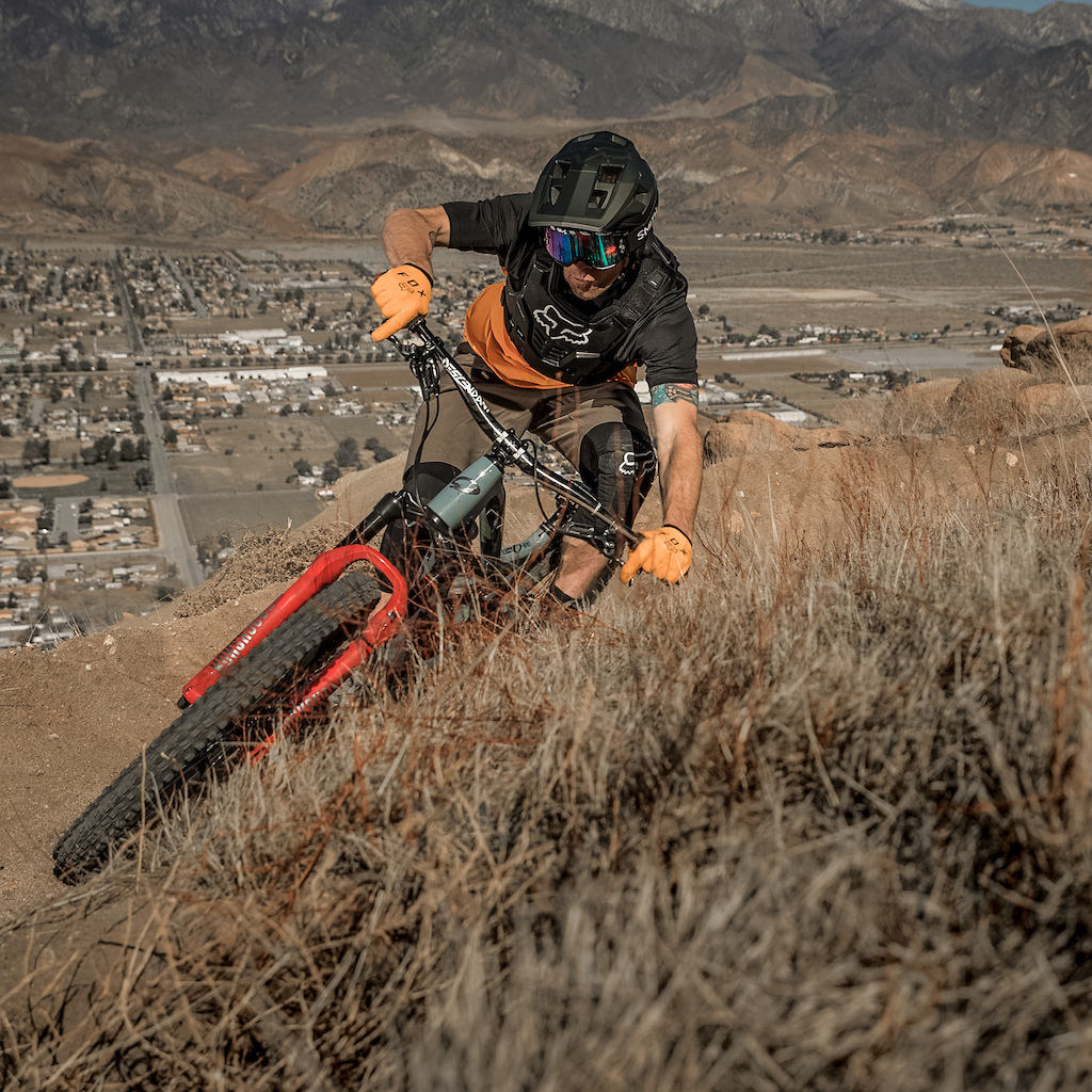 Fox MTB legend Kirt Voreis putting the Fox Dropframe to the test.
