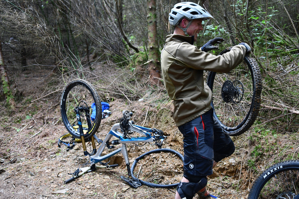 Although there are not many rockgardens there are some sketchy sections time to go tubeless maybe