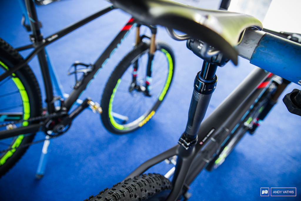 Mondraker is sporting an interesting dropper post spotted on one of their bikes.