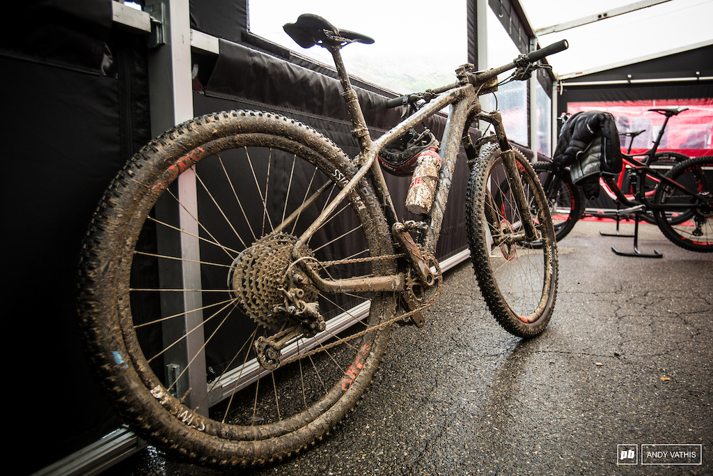 Mathias Flueckiger s has a dropper post somewhere under all that. Was that the key factor in staying ahead in the mud