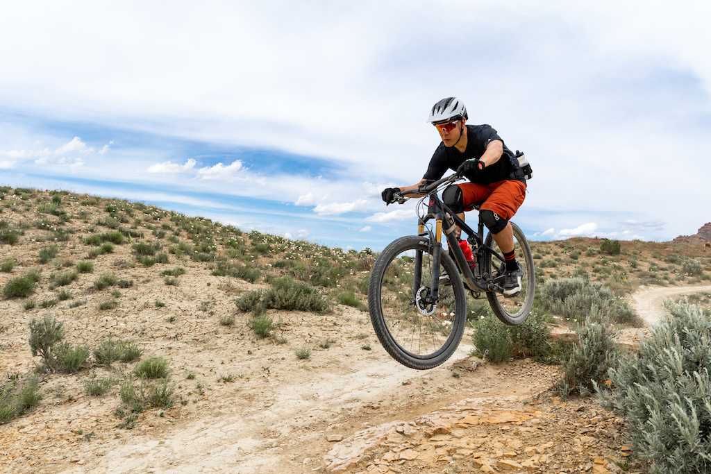 The 100mm of rear wheel travel says XC bike but the progressive geometry encourages you to run the Mach 4 SL harder than you might otherwise expect to do on a pure race bike. Photo Cody Wethington.