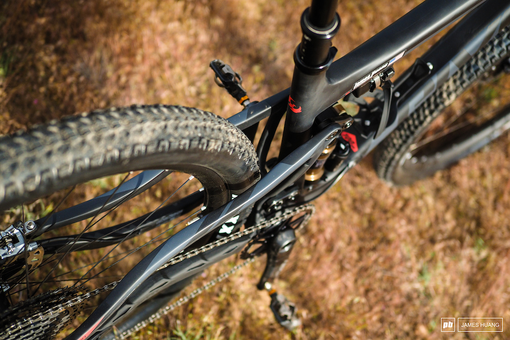 The rear hub uses standard Boost 148mm-wide spacing but Pivot says the stays will still clear a 2.5in-wide Maxxis Minion tire.