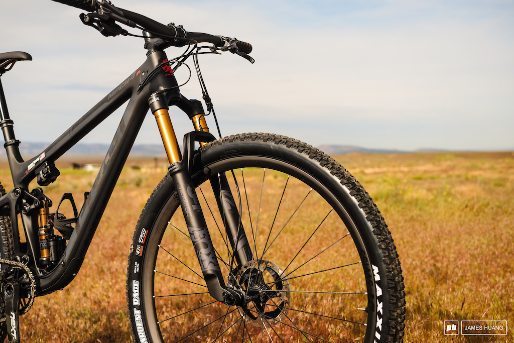 Pivot will offer the Mach 4 SL with World Cup or Team build kits. The former is more race oriented with 100mm-travel forks and fixed seatposts while the latter comes with 120mm-travel forks and dropper posts.