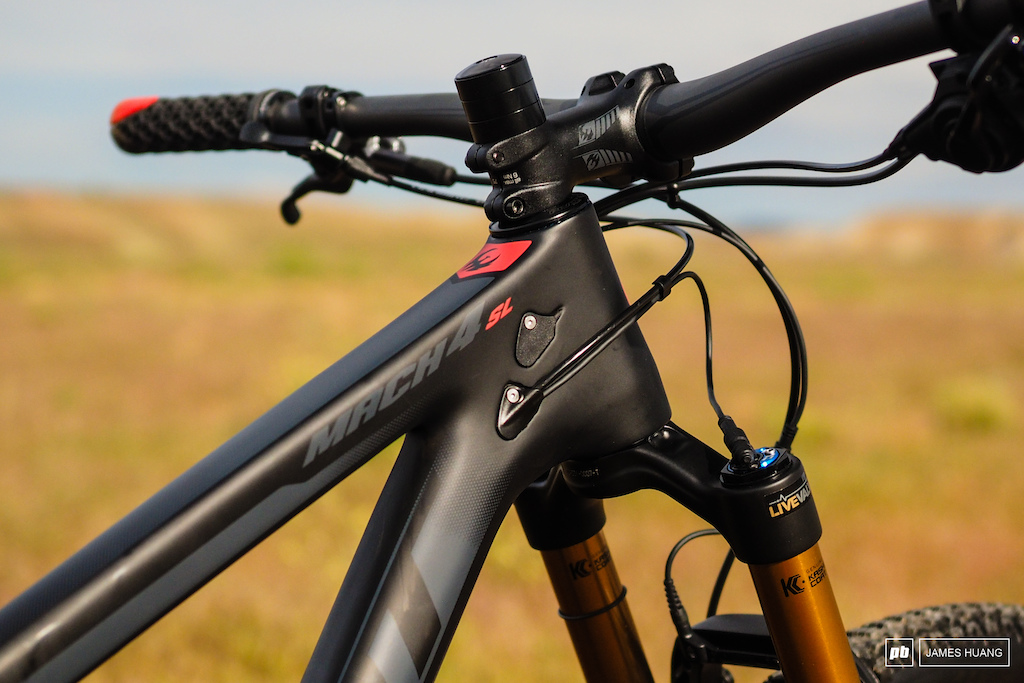 Whereas many companies are moving to fully guided internal routing Pivot is sticking with bolt-on ports and open frame tubes. This makes it a little more of a hassle to get all of the lines run through the frame but it also affords more flexibility for different drivetrain and suspension setups.