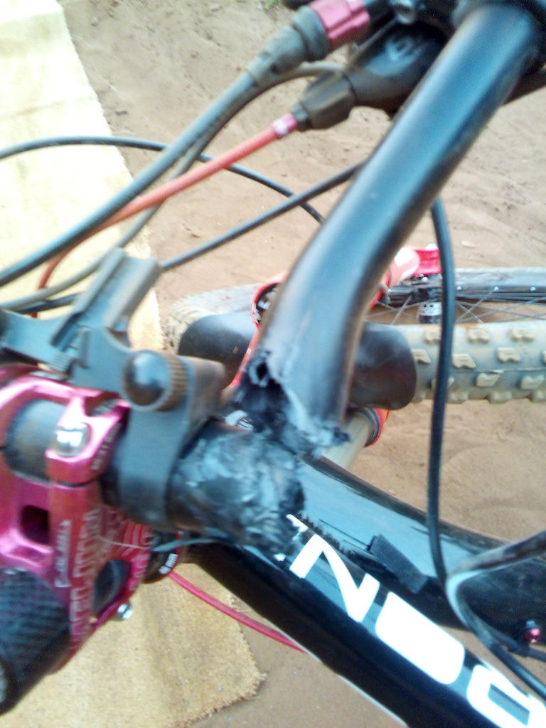 Crashed on the 3rd jump line @s4p. Carbon bars came off worst!