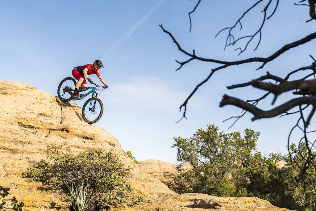 Trail Riding on Gooseberry Mesa with Giro 2019 Trail ridiing kit.