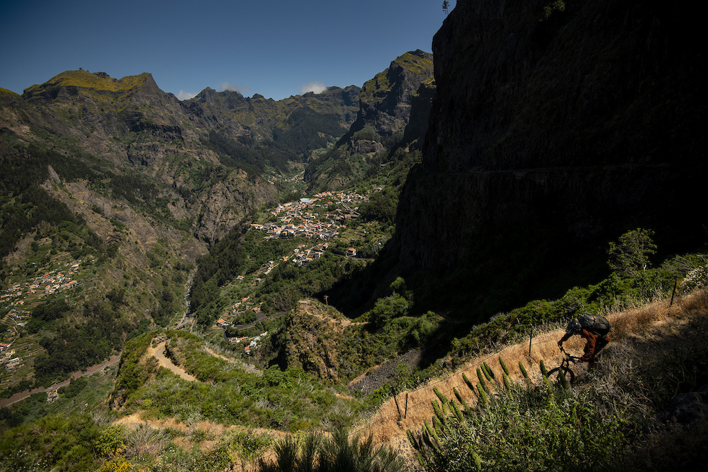 A million cobbled switchbacks before the valley bottom.