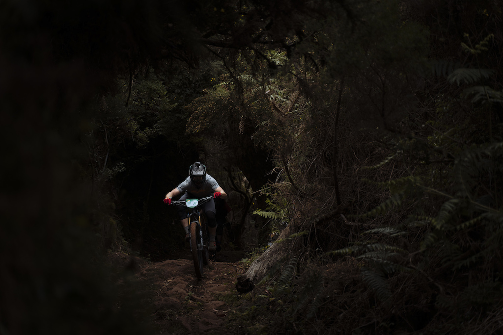 These tunnels of trail weren t tinted lens friendly.