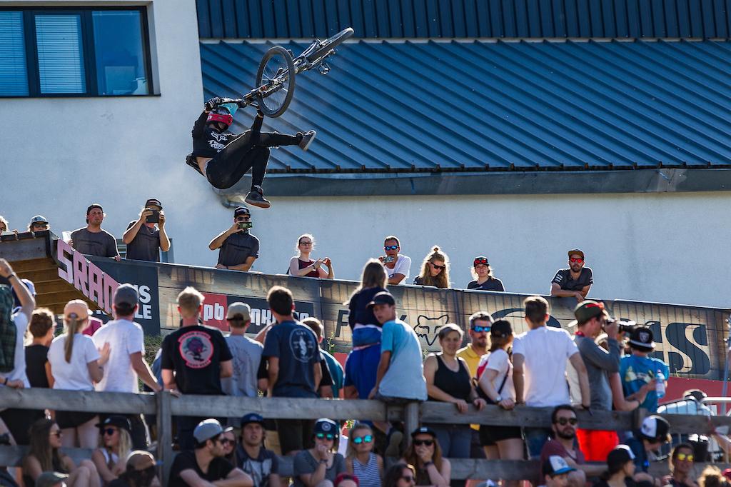 Action from the Crankworx Innsbruck Slopestyle presented by Kenda. Credit Fraser Britton Crankworx 2018