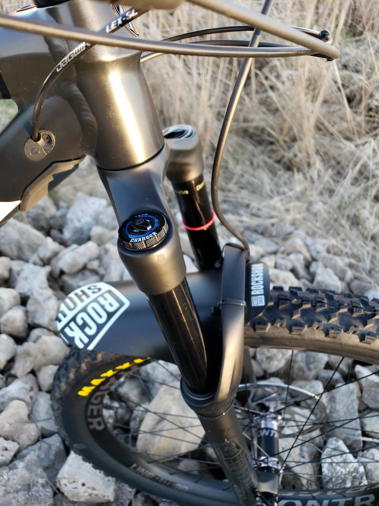 RockShox Yari RC with a Charger 2 damper upgrade