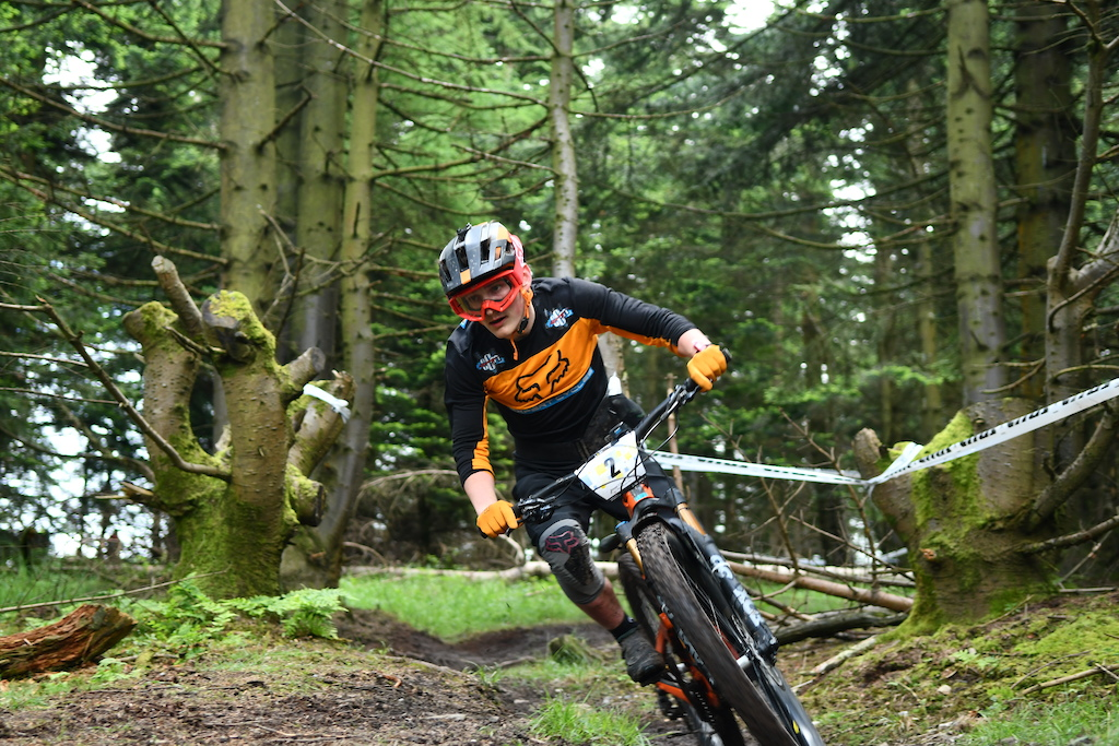 Harry Byrne Expert Cycles fast as usual together with Scott Wallace took some precious points for the team overall standing.s