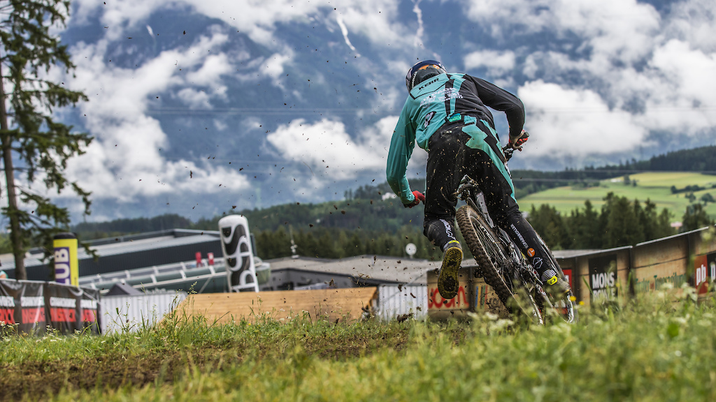 Video: Racing on the Fresh DH Track at Crankworx Innsbruck