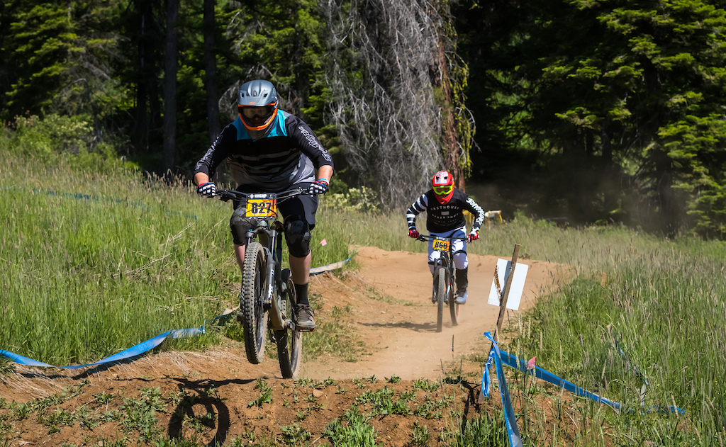 Unable to put down a perfect run Mark Harper was caught by the rider behind him Adrian Kelso. Harper s time was a 00 06 44.13 and Kelso s time was a 00 06 19.25. Cat 3 Men 40-59 and Cat 3 Men 19-39