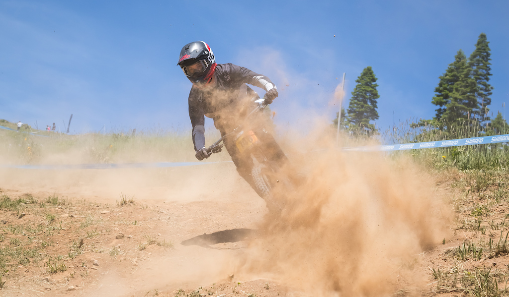 Unfortunately unable to put down a clean race run Bryce Straud came in at the bottom of the pack with a time of 00 03 32.71. Pro Men