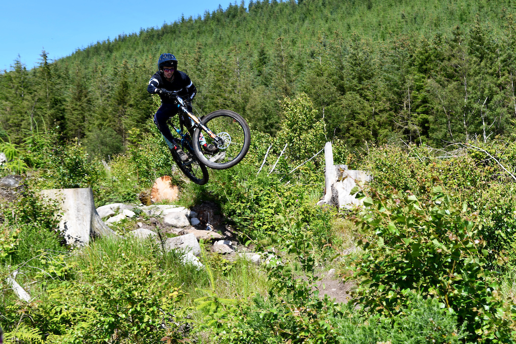 Nathan McComb is busy with his EnduroMalagaMTB business but couldn t resist to visit his home soil and race for the Irish Championships