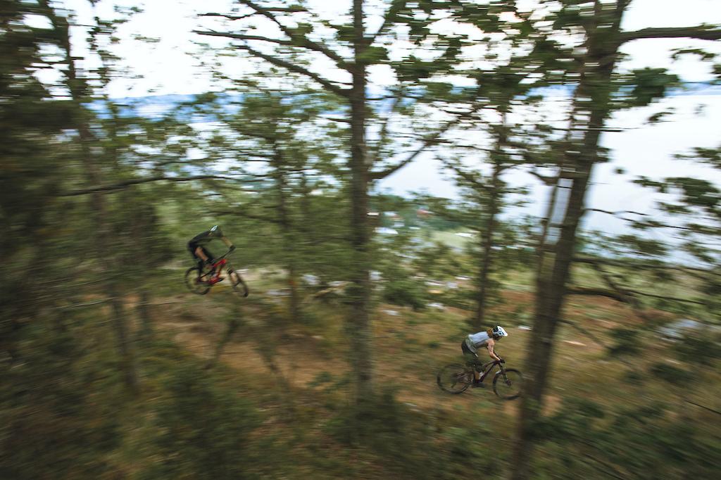 Philip & Hampus ride a train through the cliff edge