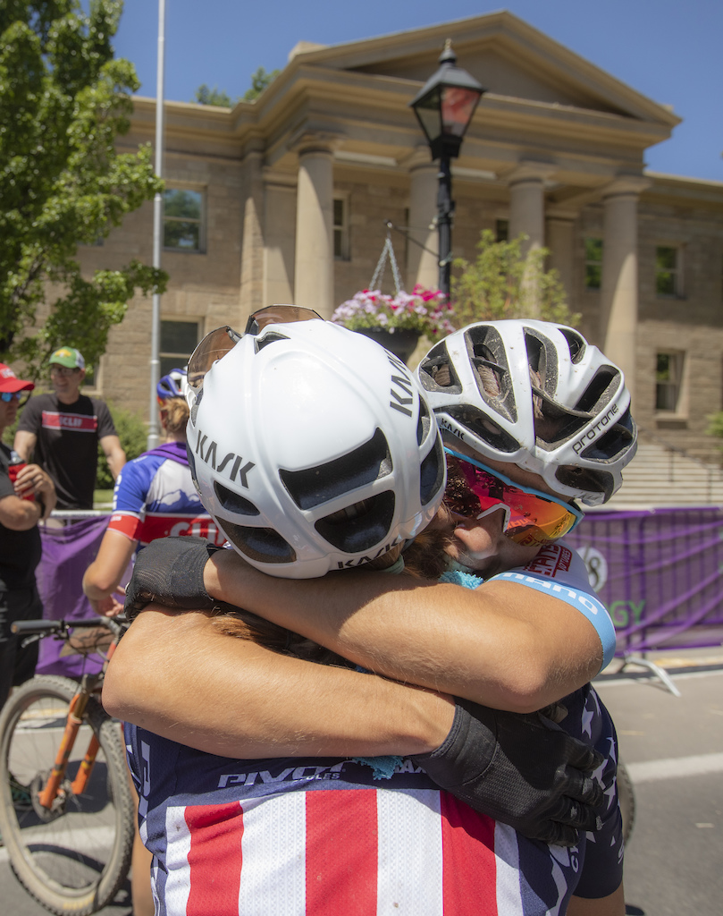 Big hugs at the finish line after teammates Rose Grant and Chloe Woodruff laid out a one-two punch on the Pro Women s field taking 1st and 2nd respectively.