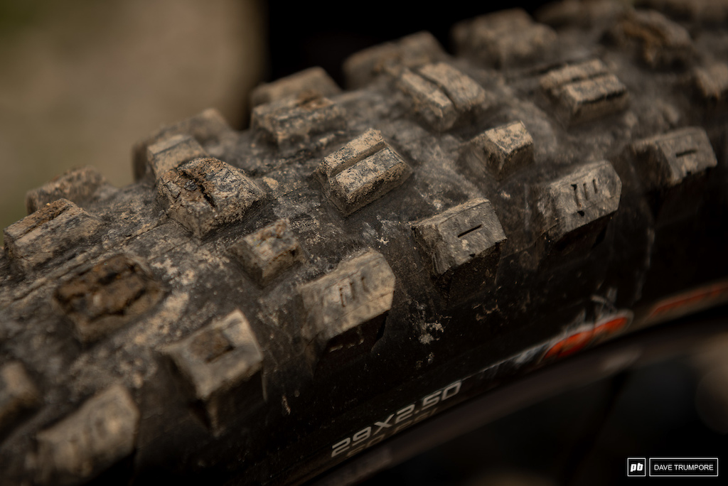 Remi Gauvin s Rocky Mountain Instinct - Maxxis Assegai up front