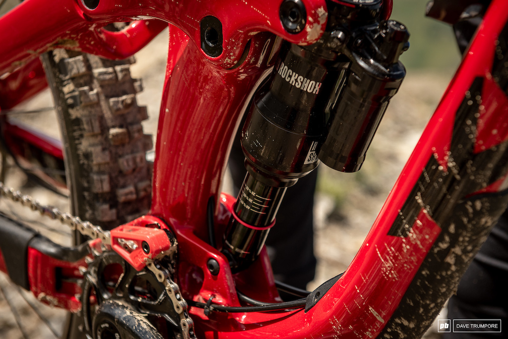 Keegan Wright s Devinci Spartan - Rock Shox Super Deluxe rear shock and One Up chain guide