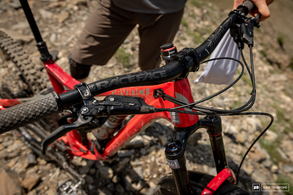 Keegan Wright s Devinci Spartan - Raceface bars and Code Brakes