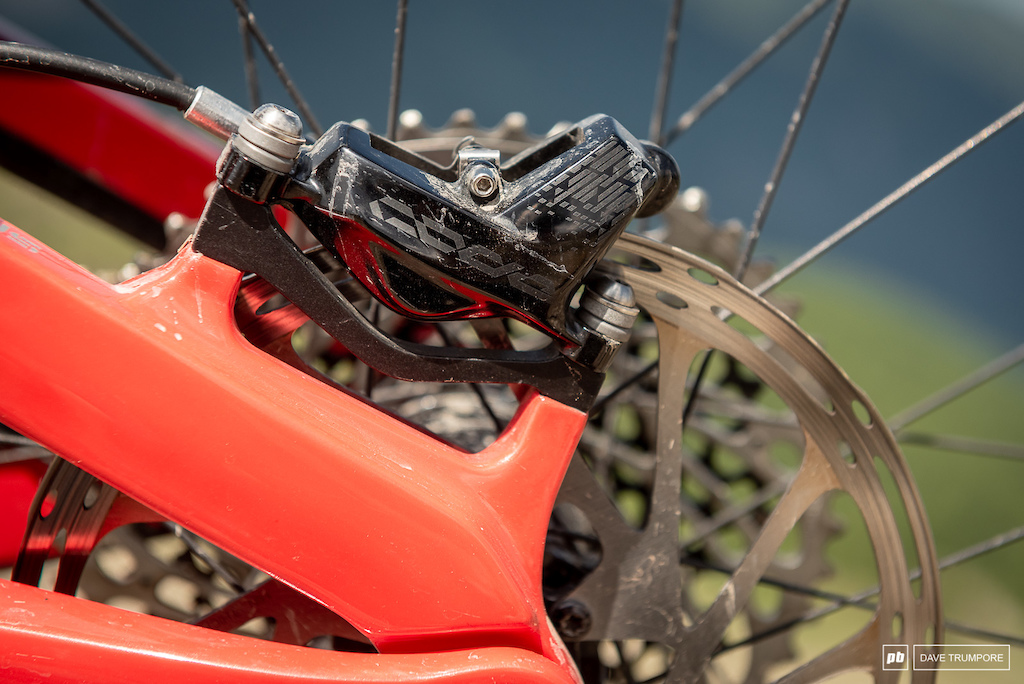Keegan Wright s Devinci Spartan - Code calipers slow things down at both ends