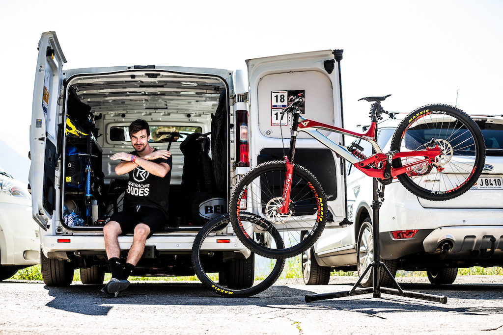 David Trummer pitting out the back of his van and getting the results. Respect.