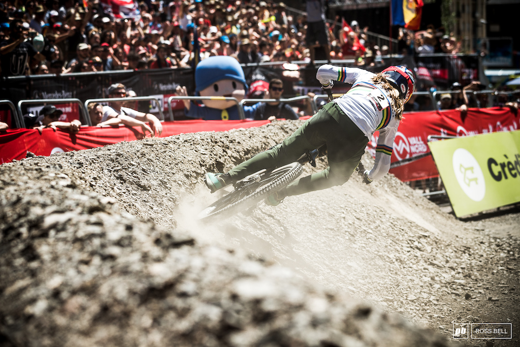 Rachel Atherton bounced back from qualifying with a bang.