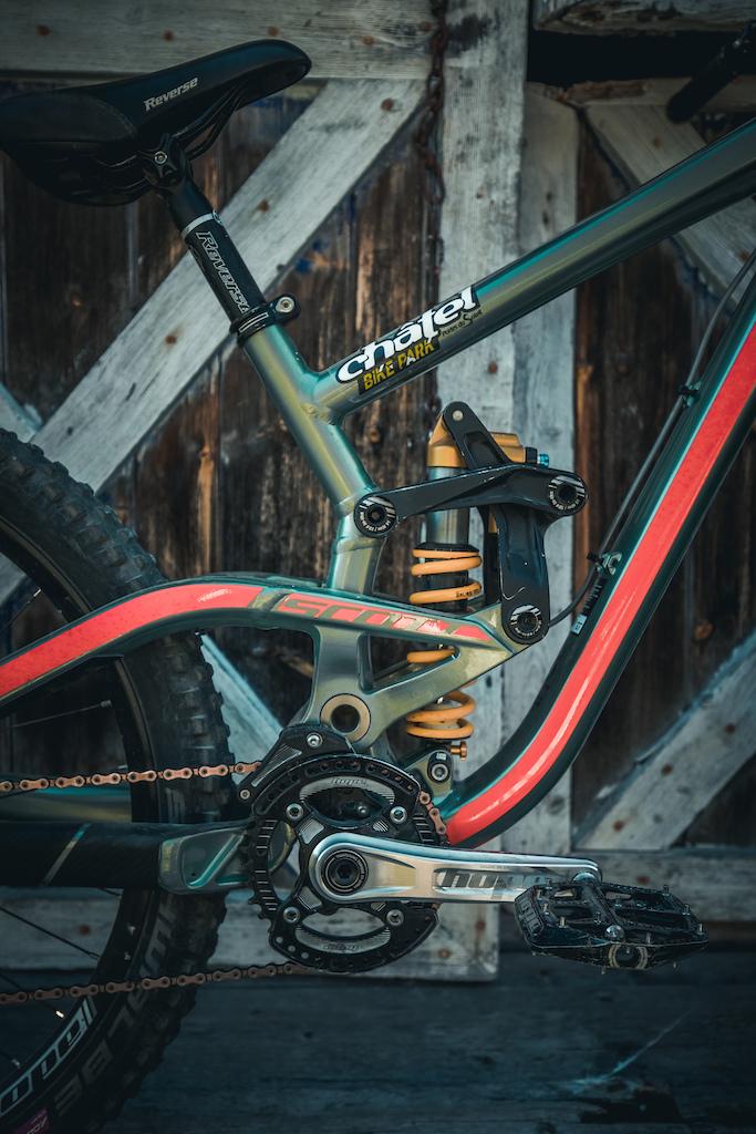 Old rod for a bigger shock on Nico Vink s bike