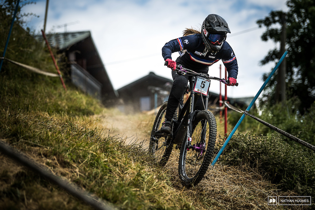 Lauryne Chappaz is the great French hope in junior women... 4th today she has that shot at the podium.