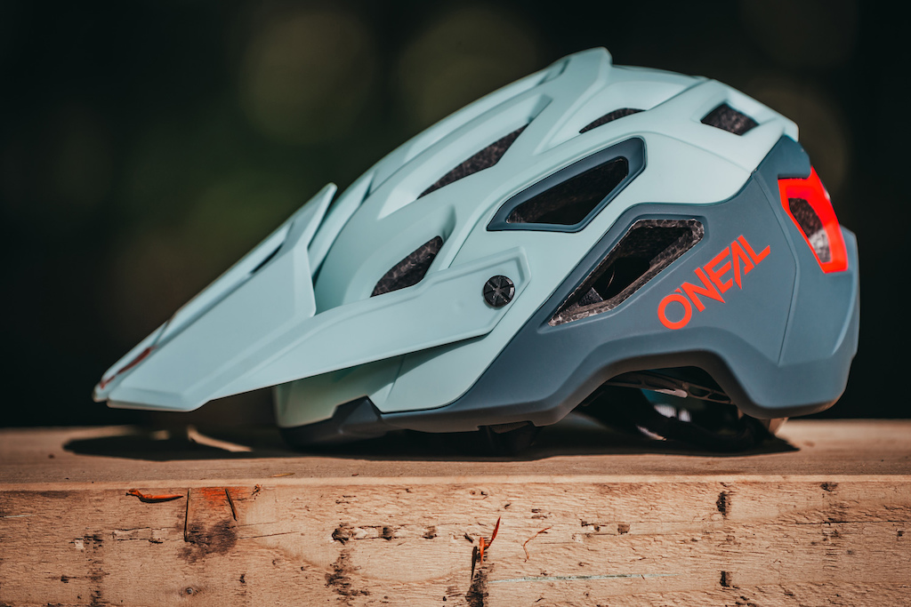 The all-new Pike Helmet from O'Neal. 2 years ago in development. The result? For the price, possibly the best looking, safest and best fitting open-face MTB helmets on the market. A compact 2-piece racing shell with 2 outer shells alongside our new 3D Multi-Positioning System means the Pike not only looks the business but also has an amazing fit.