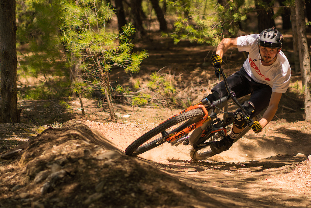 Juice Lubes Home to Roost 2019 Episode 2. Starring Phil Atwill on his new home trails in Greece.