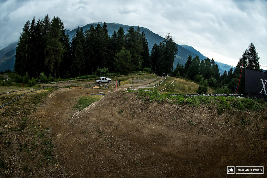 Smooth and sculpted mini shark fin to berm up top.