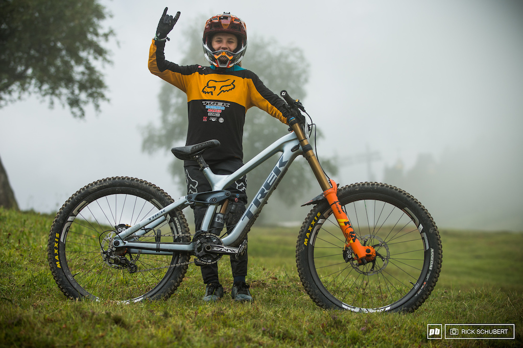 Jackson Goldstone with his custom Trek Session