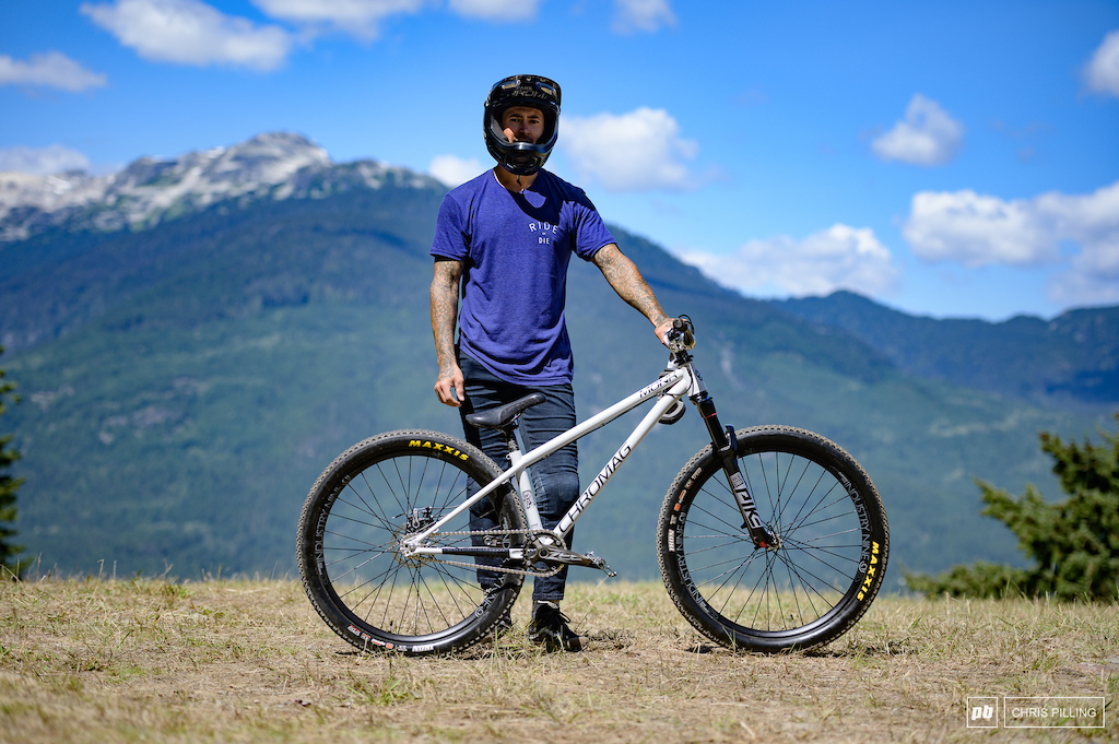 Marcel Hunt riding his Chromag Hunt in an all new matte grey colour way. He hasn t changed a thing from his dirt jump set up for today.