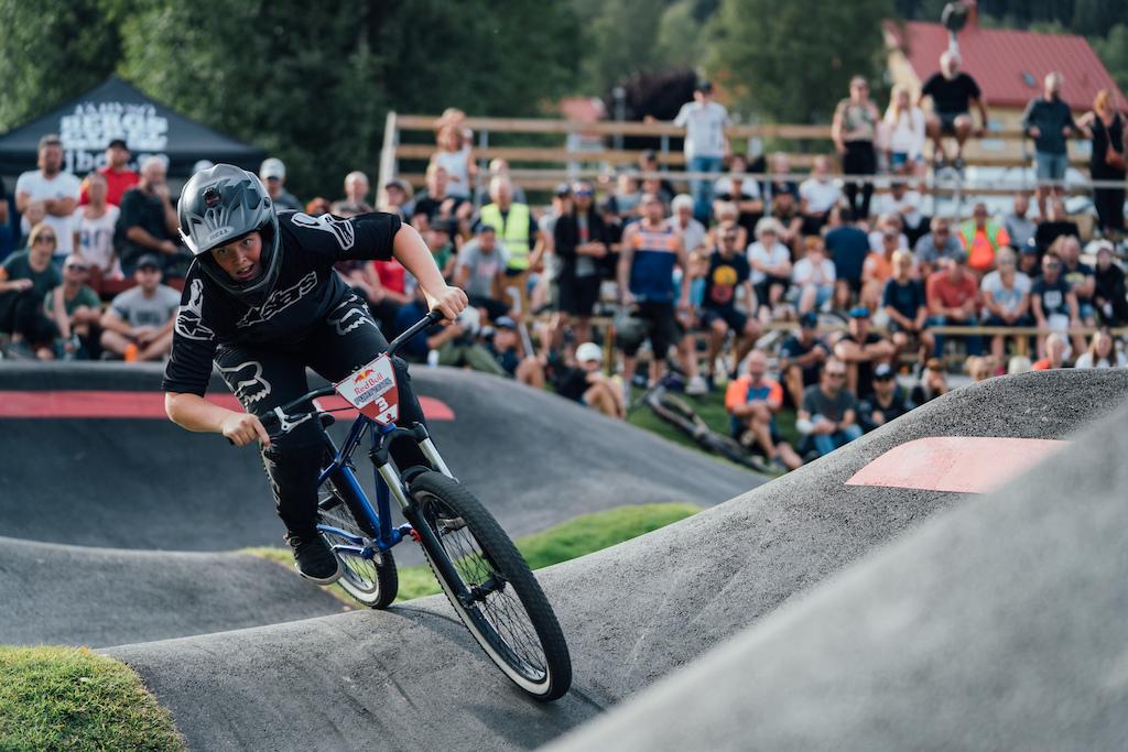 Elina Davidsson take the win in Jarvso