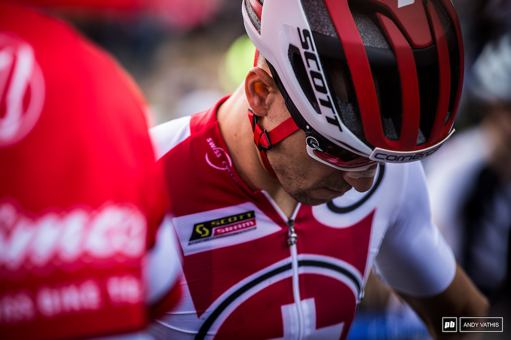 Nino Schurter is no stranger to pressure. He's the current World Champ after his win at home last year and he surely doesn't want to let go of them just yet.