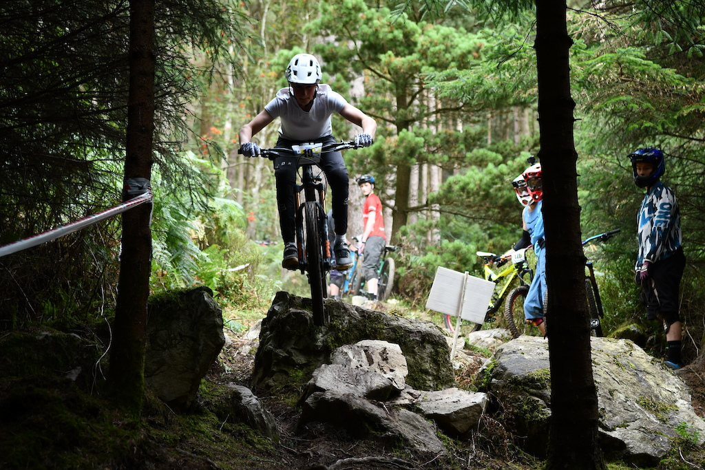 Ronan Dunne current Irish DH national champ also goes full enduro the rockgarden on SS1 just send it