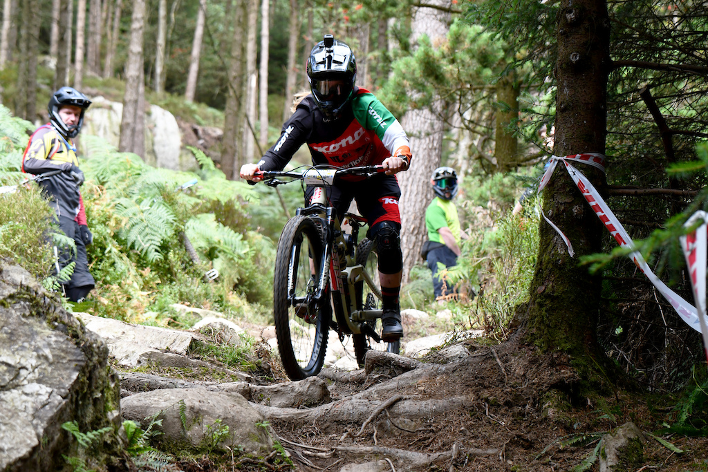 A short but tricky rockgarden mid way down on SS1 no problems here for the national champ Leah Maunsell