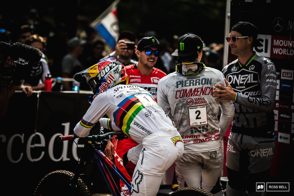 Amaury Pierron was in position to win the overall during the first half of Hart's run... But during the lower splits Hart went into the green and put Loic Bruni back in the driving seat.