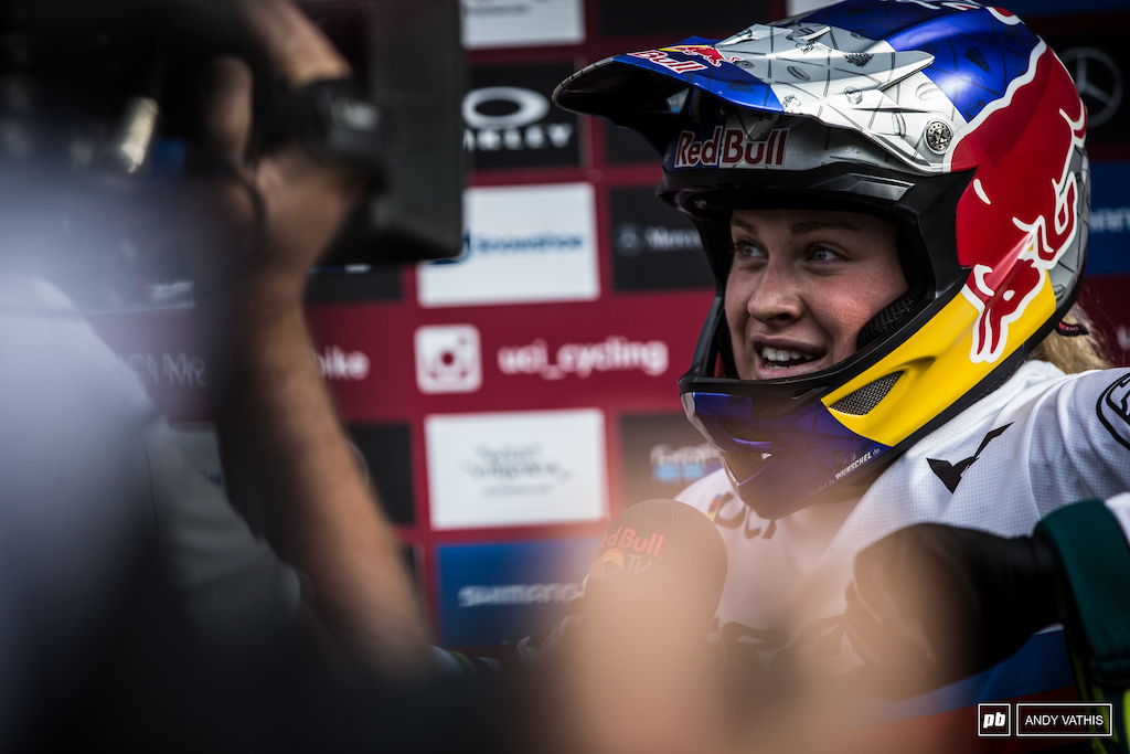 The junior women's field must have let out a sigh of relief today as Vali moves on up to the elites next year. She has absolutely ravaged the junior field the last two years.