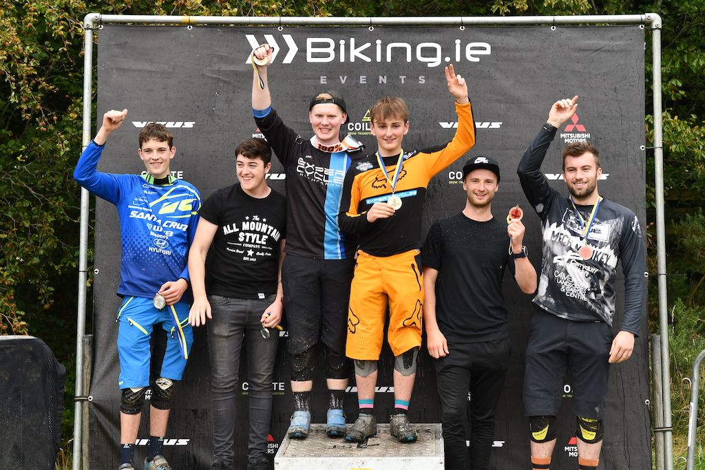 Teams podium with Expert Cycles on the top