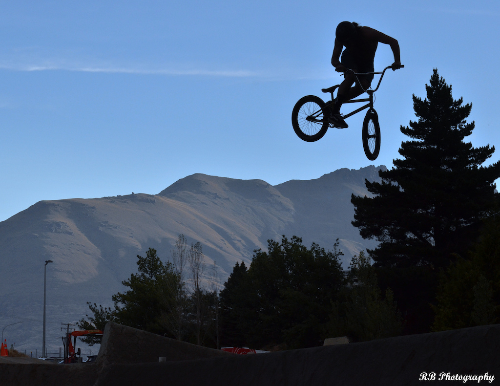 Remy flying high over Gorge rd