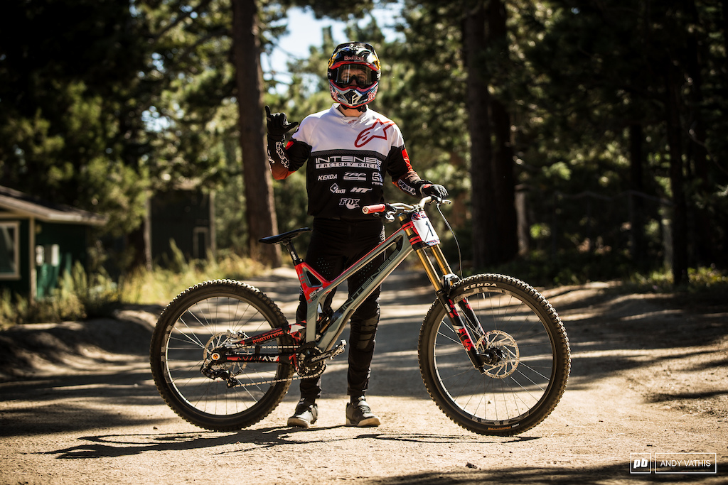 Captain America himself - Aaron Gwin and his 'M279' Prototype.